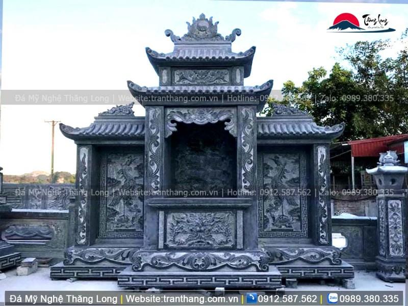 Lăng thờ đá mang ý nghĩa linh thiêng của cả gia tộc