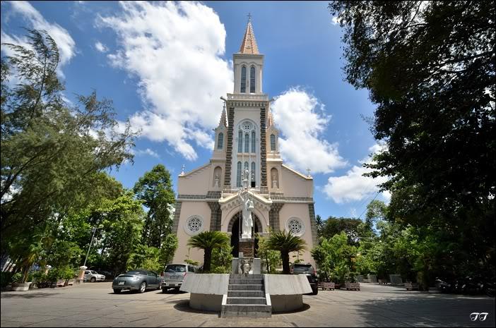 Nhà thờ Huyện Sĩ, Tp Hồ Chí Minh