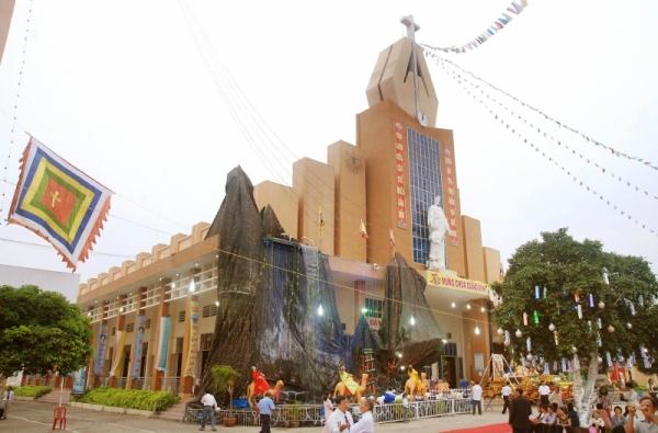 Nhà thờ Tân Phú, Tp Hồ Chí Minh
