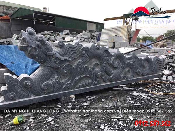 Rồng đá được sản xuất tại làng nghề đá Ninh Bình.