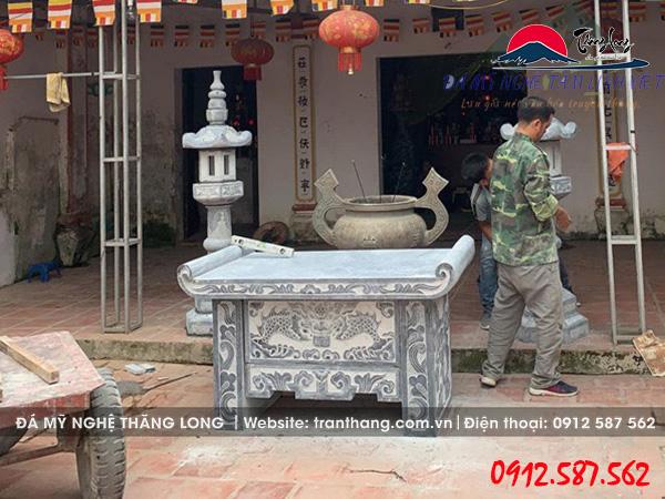 Thi công lắp đặt đèn đá, bàn lễ đá tại Vĩnh Phúc.