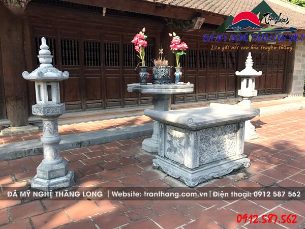 Mẫu đồ thờ đá, bàn thờ đá, bộ tam sự đặt tại nhà thờ họ.