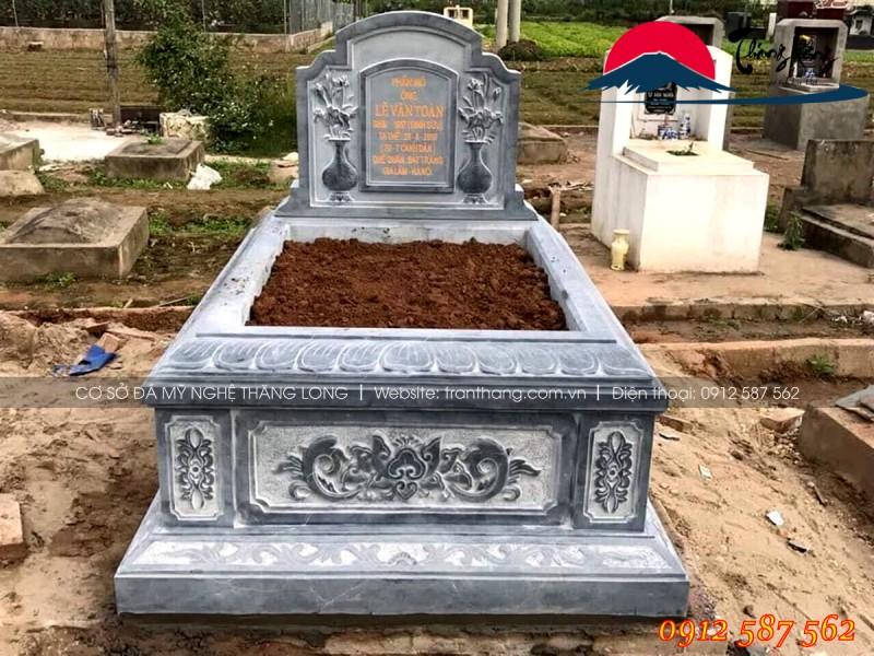 mộ đá do Thăng Long sản xuất