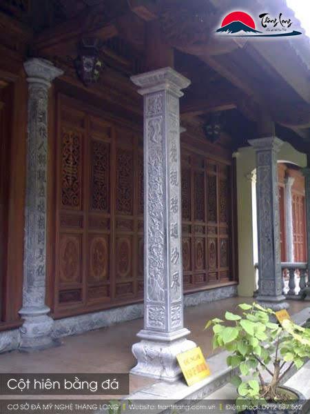 Cột hiên bằng đá để tăng tính thẩm mỹ và chắc chắc cho ngôi nhà