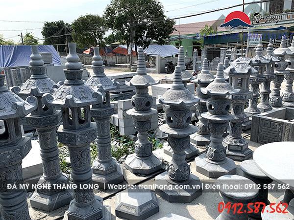 cột đèn đá nhà thờ