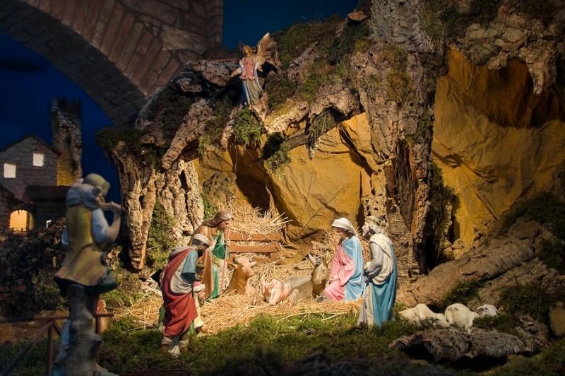 Hang đá giáng sinh đạo công giáo