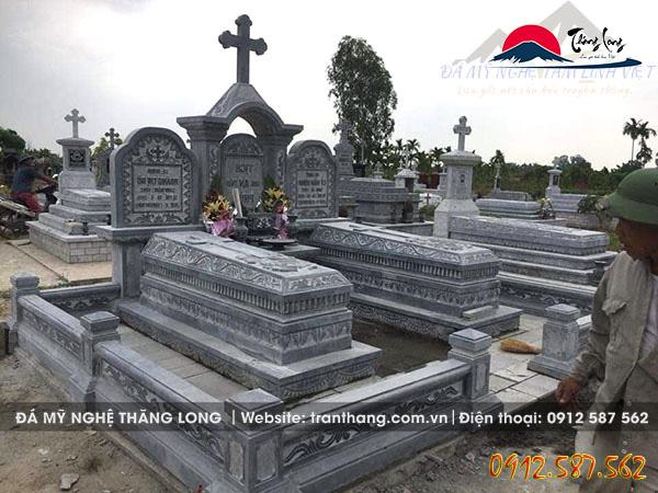 mộ đá công giáo