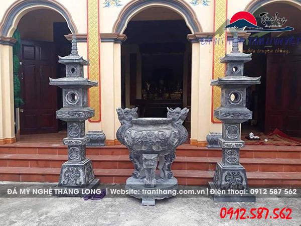 Lư hương đá tai đầu rồng được sản xuất tại làng nghề đá Ninh Vân.