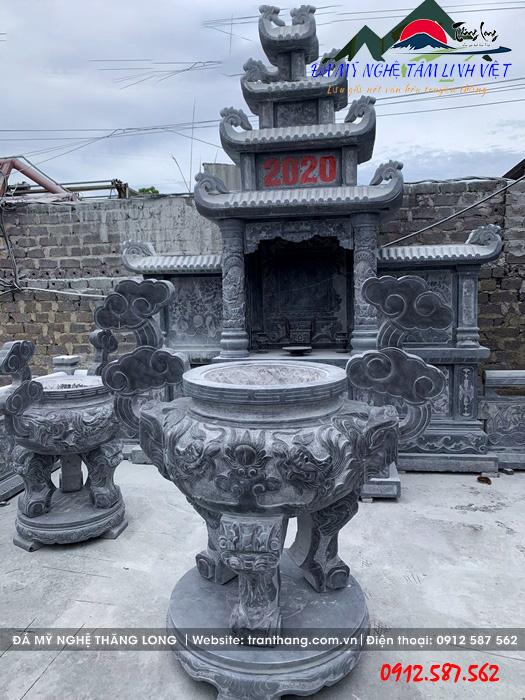 Sản phẩm lư hương bằng đá của làng nghề đá Ninh Vân