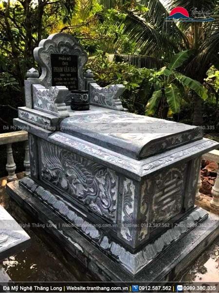 Mẫu mộ đá Ninh Vân có nắp vòm bên trên