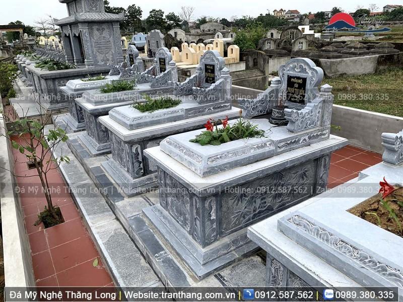 dãy mộ tam sơn trong lăng mộ đá