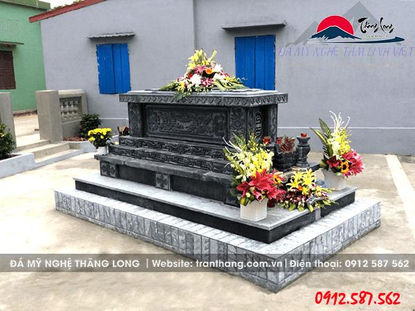 Mẫu mộ công giáo không mái