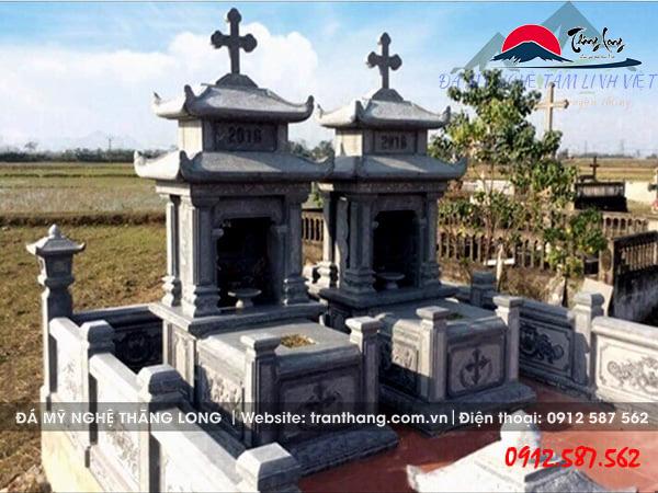 mộ công giáo hai mái