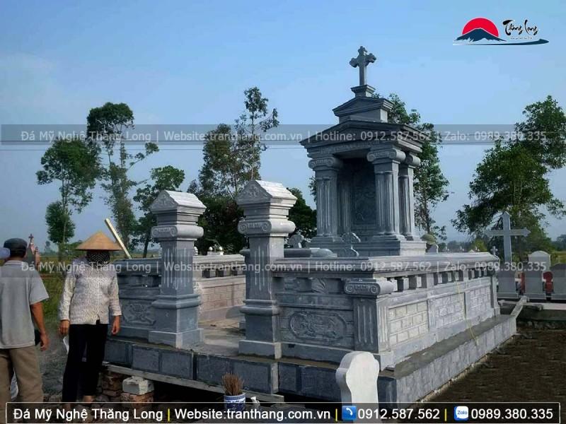 Lăng mộ đá nguyên khối bên công giáo mới nhất