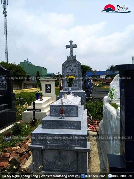Mẫu mộ thiên chúa có hoa văn đẹp