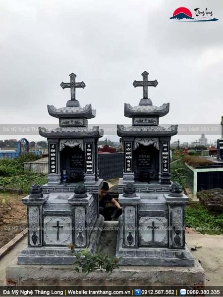 Mộ đá công giáo hai mái