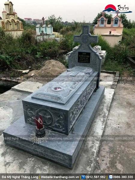 mộ đá tại Tiền Giang