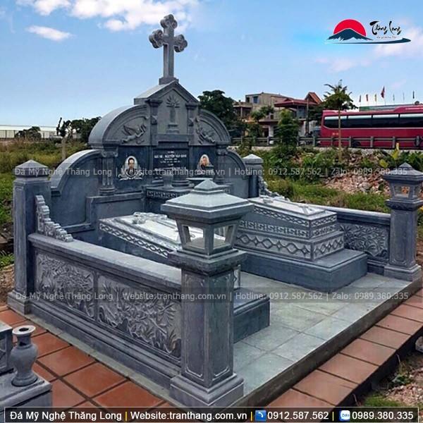 Mộ phần công giáo giesu - maria của gia đình anh nam tại Hải Dương