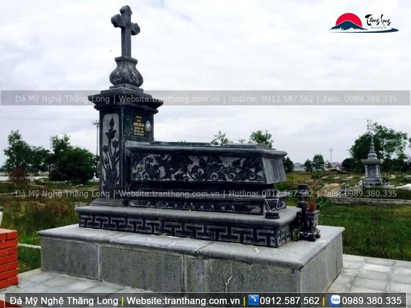 Mẫu mộ đạo mới nhất nguyên khối sử dụng chất liệu đá xanh đen Thanh Hóa