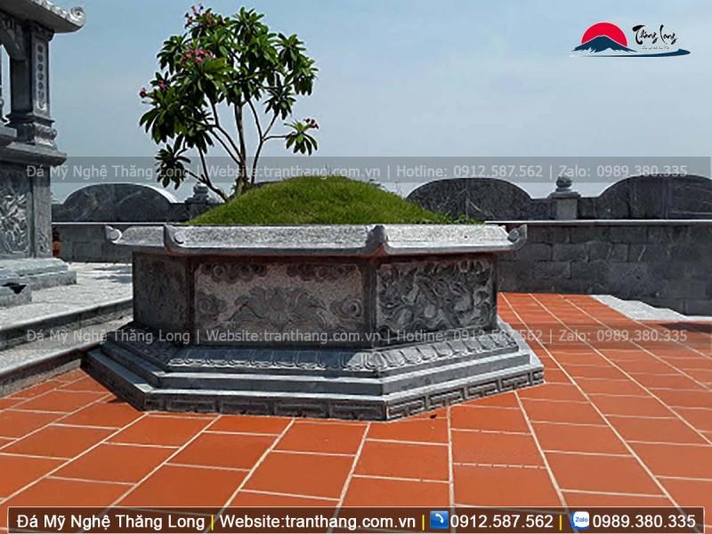 Hoa văn cho mộ lục lăng thường là các Hán Tự và hoa văn mây nước thiên nhiên