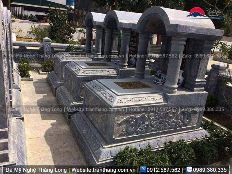 mộ mái vòm một mái khắc hoa văn bông sen