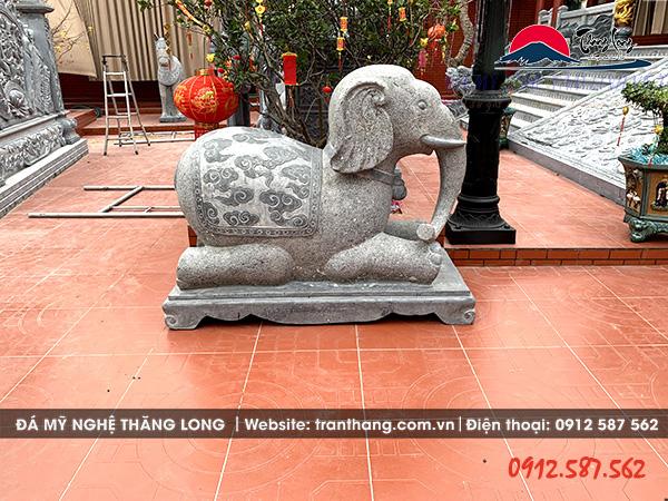 voi đá tại nhà thờ họ Ninh Bình