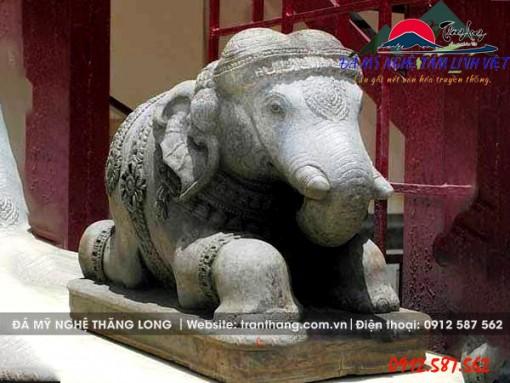 Tượng voi đá đẹp chuẩn kích thước phong thủy sản xuất tại Ninh Bình.